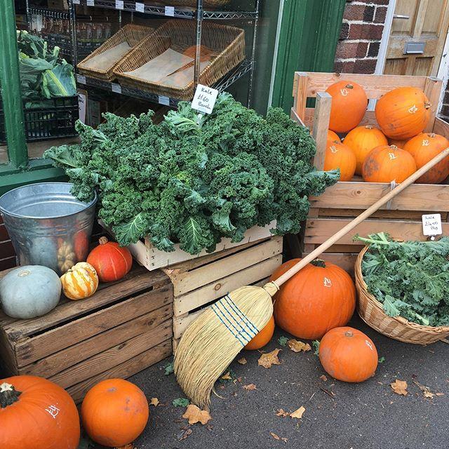 My favourite time of year 🍁 私の一番好きな季節です。ついに秋の到来を感じられます‼︎ #autumn #fall #pumpkins #autumnleaves #秋 #イギリス #秋の到来 #紅葉 #かぼちゃ #秋の味覚