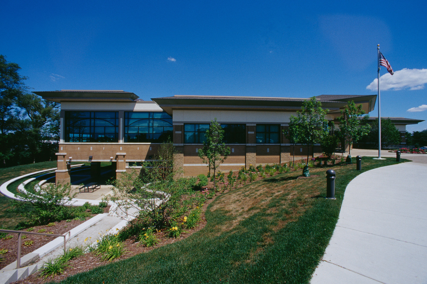 2000-046-26 Downers Grove Rec Center ext side.jpg