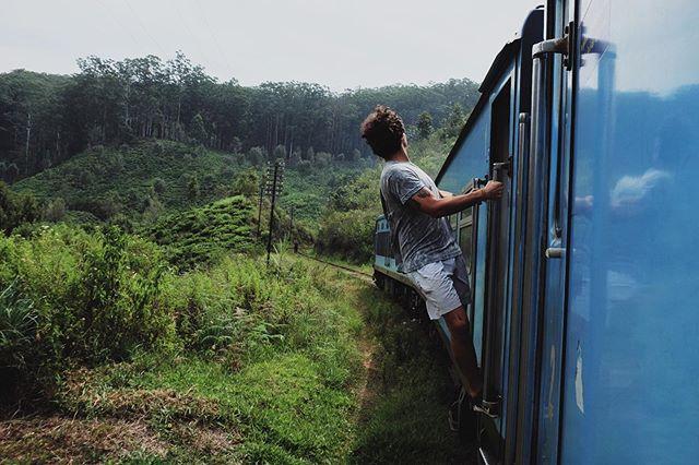 "The ""mandatory"" photo while riding the Ella-Kandy train ✔️ * * * * * #earth_shotz #visualsofearth #wanderlust #instatravel #travel #travelgram #travellife #travelcouple #travelgram #travelblogger #worldnomads #travelinspiration #travelinfluencer #beautifuldestinations #traveladdict #justgoshoo t #worldtravelbook #intravelist #doyoutravel #naturesappareal #wearetravelers #exploretocreate #discoverearth #shotzdelight #traveltag #bestplacestogo"