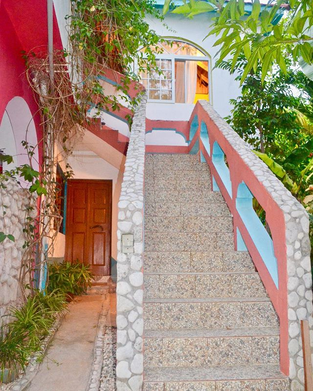 It's not the stairway to heaven, but it is the stairway to paradise and a dream vacation! For real, your life is going to be exponentially better once you're here! 🏡🤙🇯🇲 . #CoralCottageJamaica🌴🌊☀️ . . . . . . . . . .  #Jamaica #Travel #Vacation #VacationHome #Tourism #Explore #WanderLust #TravelBug #TravelTips #TravelJamaica #Paradise #Luxury #Passport #Getaway #PhotoOfTheDay #TravelDeeper #RoundTheWorld #BestInTravel #Tropical #Caribbean #OneLove #Jamaican #GoodVibes #SpringBreak #Retreat #FunInTheSun #Negril