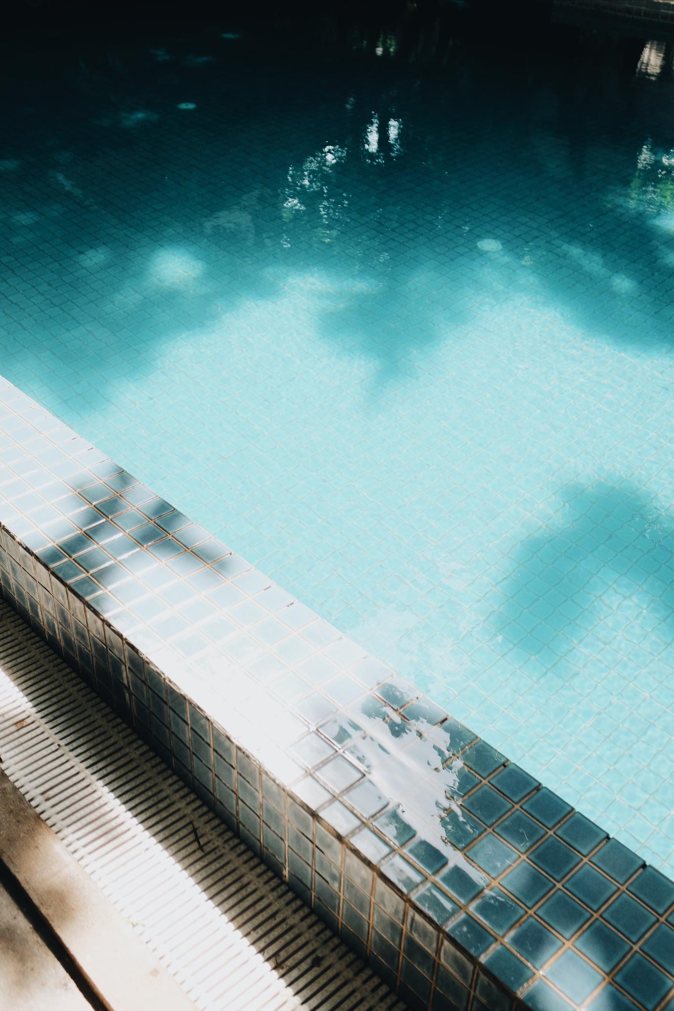 Blue Lime pool