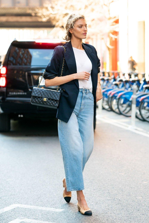Martha_Hunt_Toteme_Jeans