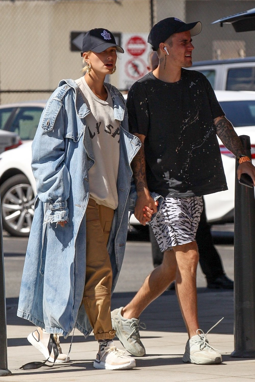 hailey-bieber-unravel-denim-jacket
