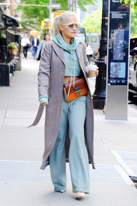 rita-ora-new-york-city-off-white-hoodie