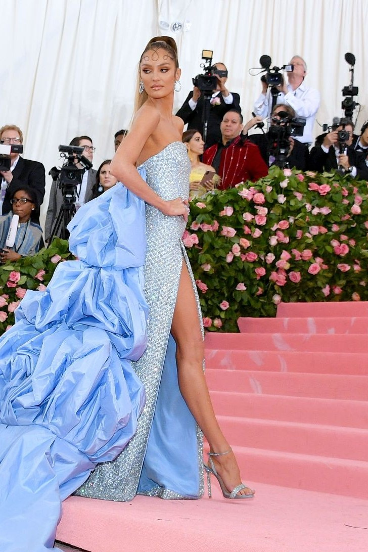 candice-swanepoel-met-gala-blue-dress