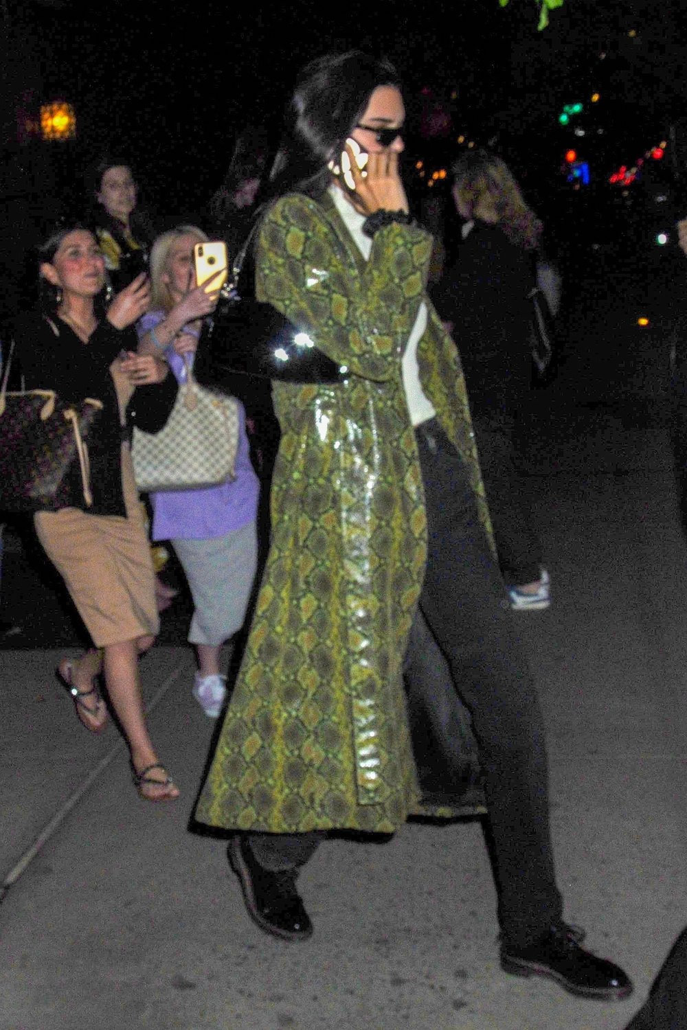 kendall-jenner-new-york-city-leather-trench-coat