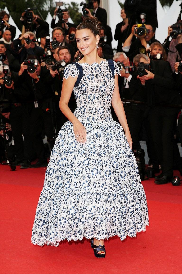 Penelope Cruz Dolor Y Gloria Premiere in Cannes-dior-dress