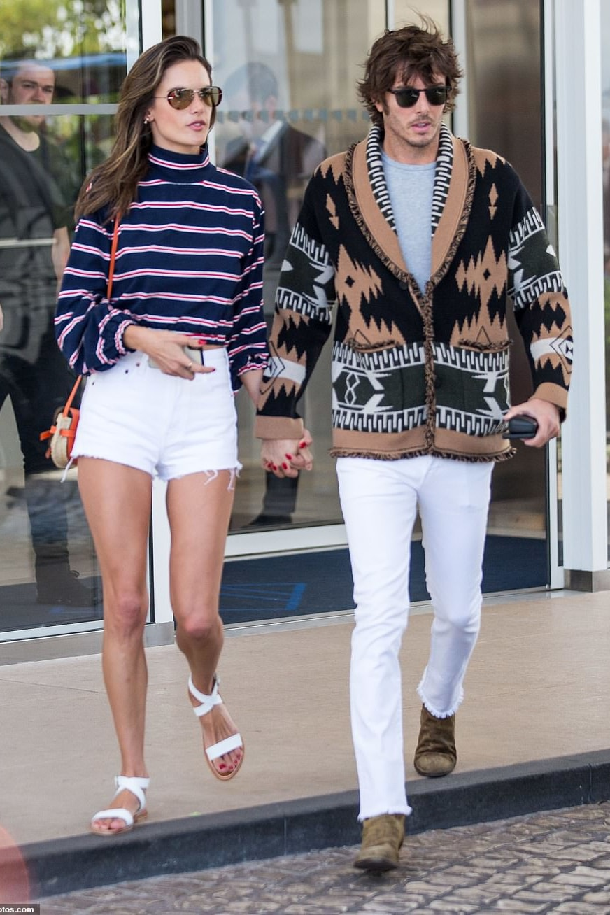 alessandra-ambrosio-cannes-sabo-striped-top.jpg