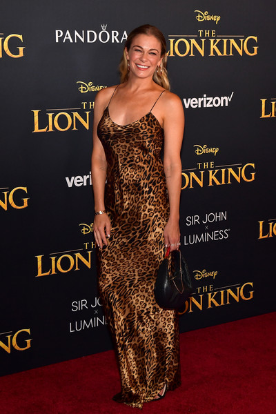 leann-rimes-leopard-print-dress-and-leather-bag.jpg