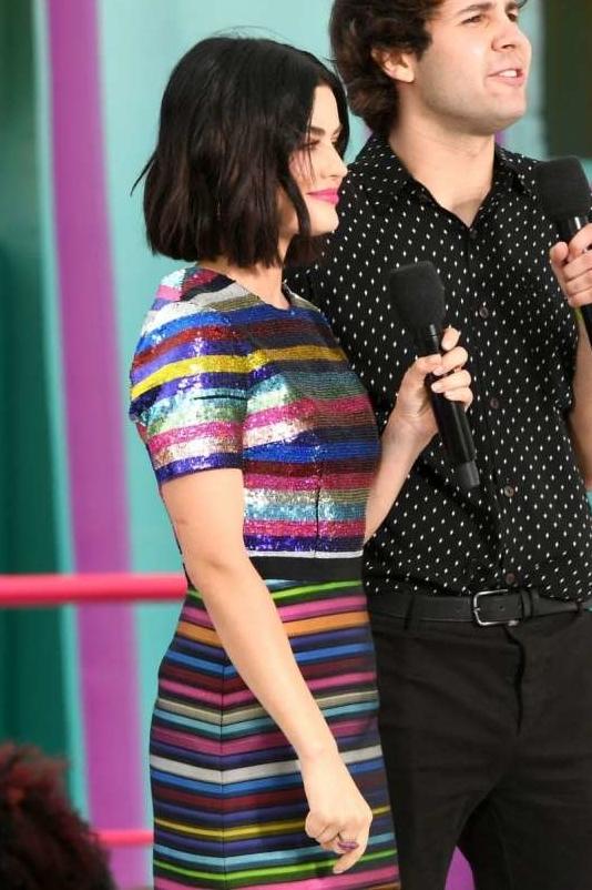 lucy-hale-striped-dress-at-teen-choice-awards.jpg