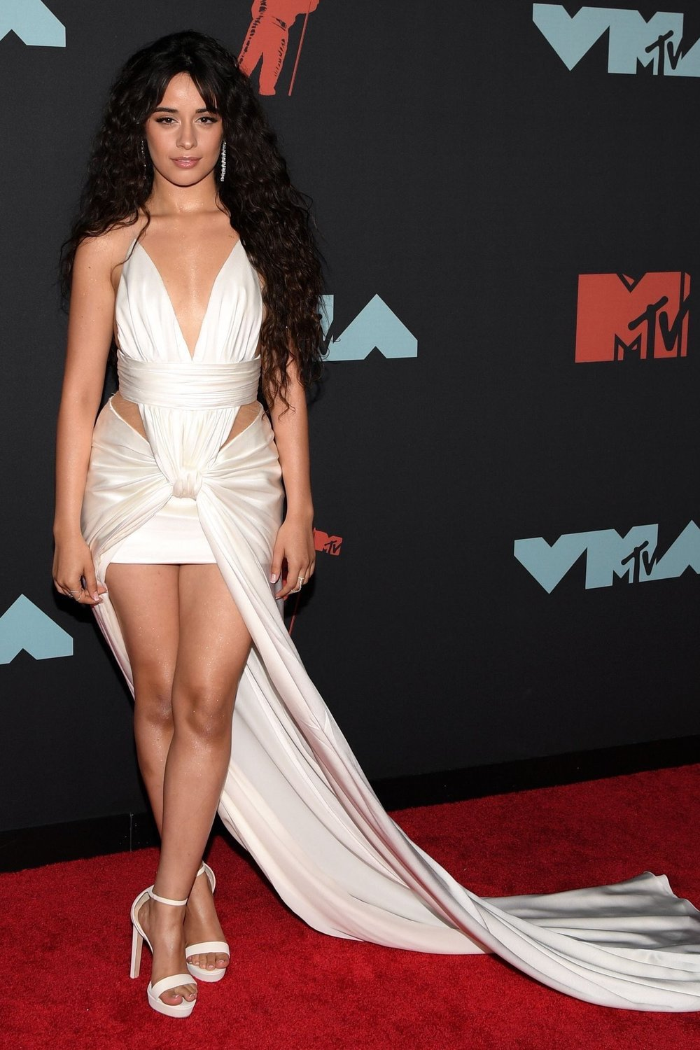 camila-cabello-balmain-white-dress-at-vmas.jpg