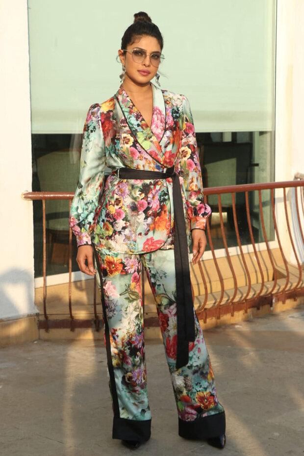 priyanka-chopra-macaw-trousers.jpg