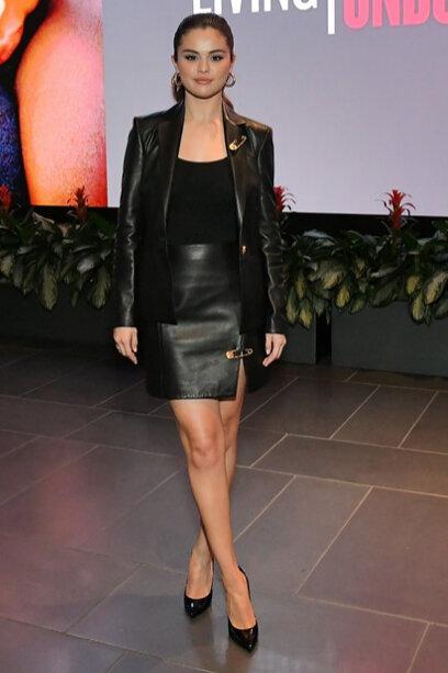 selena-gomez-black-leather-skirt-and-jacket-living-screening.jpg
