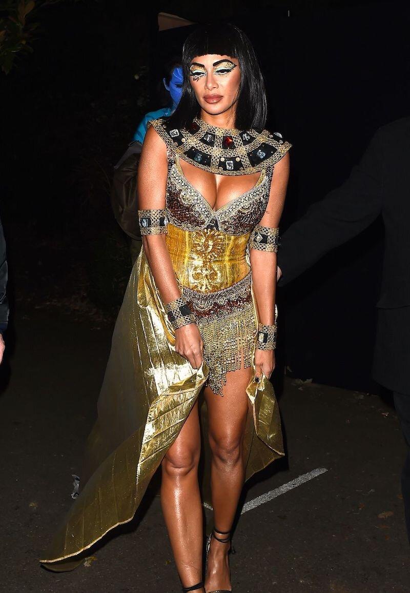 nicole-scherzinger-halloween-cleopatra-costume.jpg