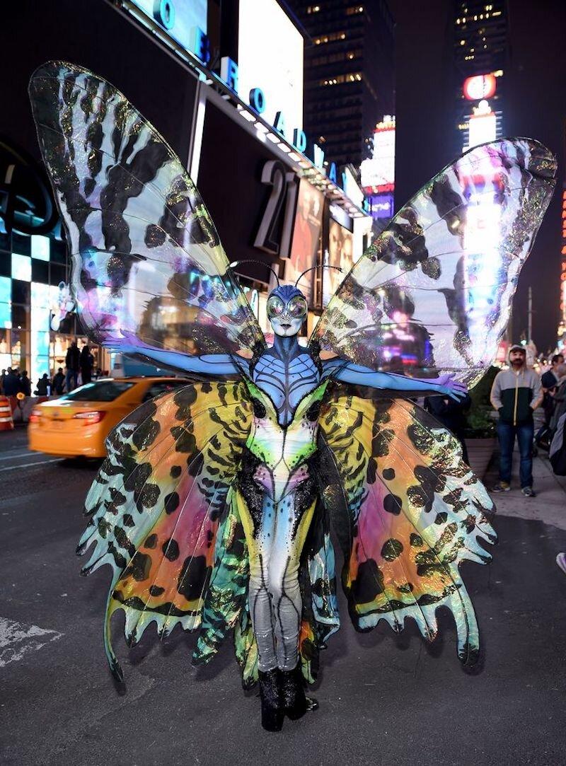 heidi-klum-halloween-butterfly-costume.jpg