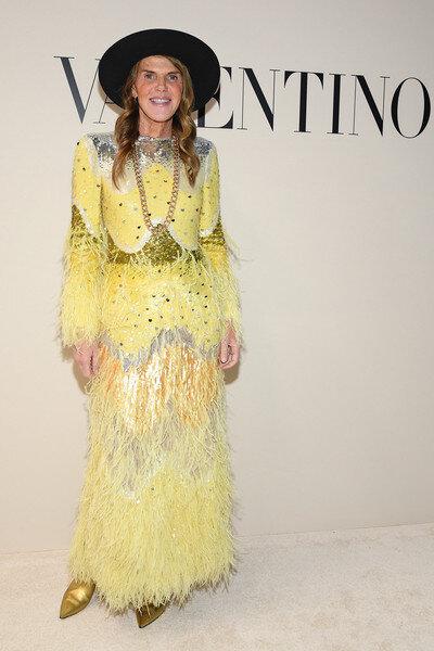 anna-dello-russo-yellow-western-valentino-dress.jpg