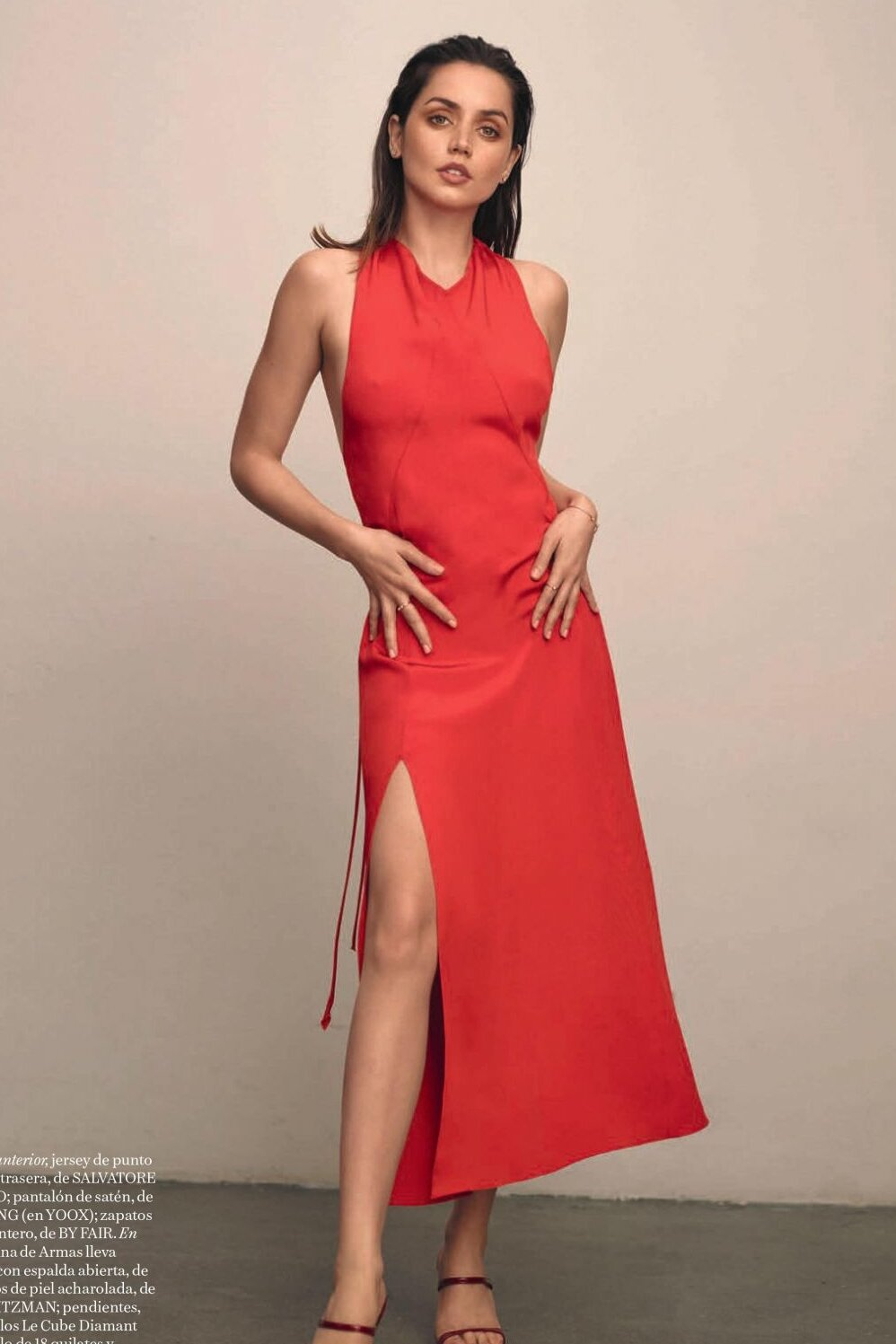 ana-de-armas-red-slit-dress.jpg