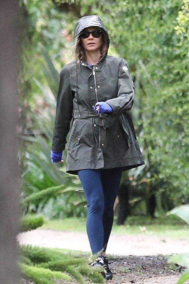 gwyneth-paltrow-green-jacket.jpg