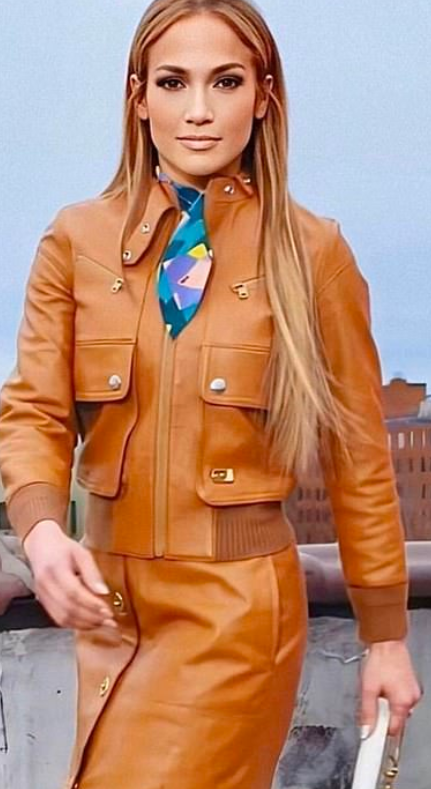 jennifer-lopez-tan-leather-bomber-jacket.png