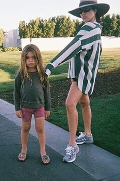 kourtney-kardashian-grey-sneakers-on-instagram.jpg