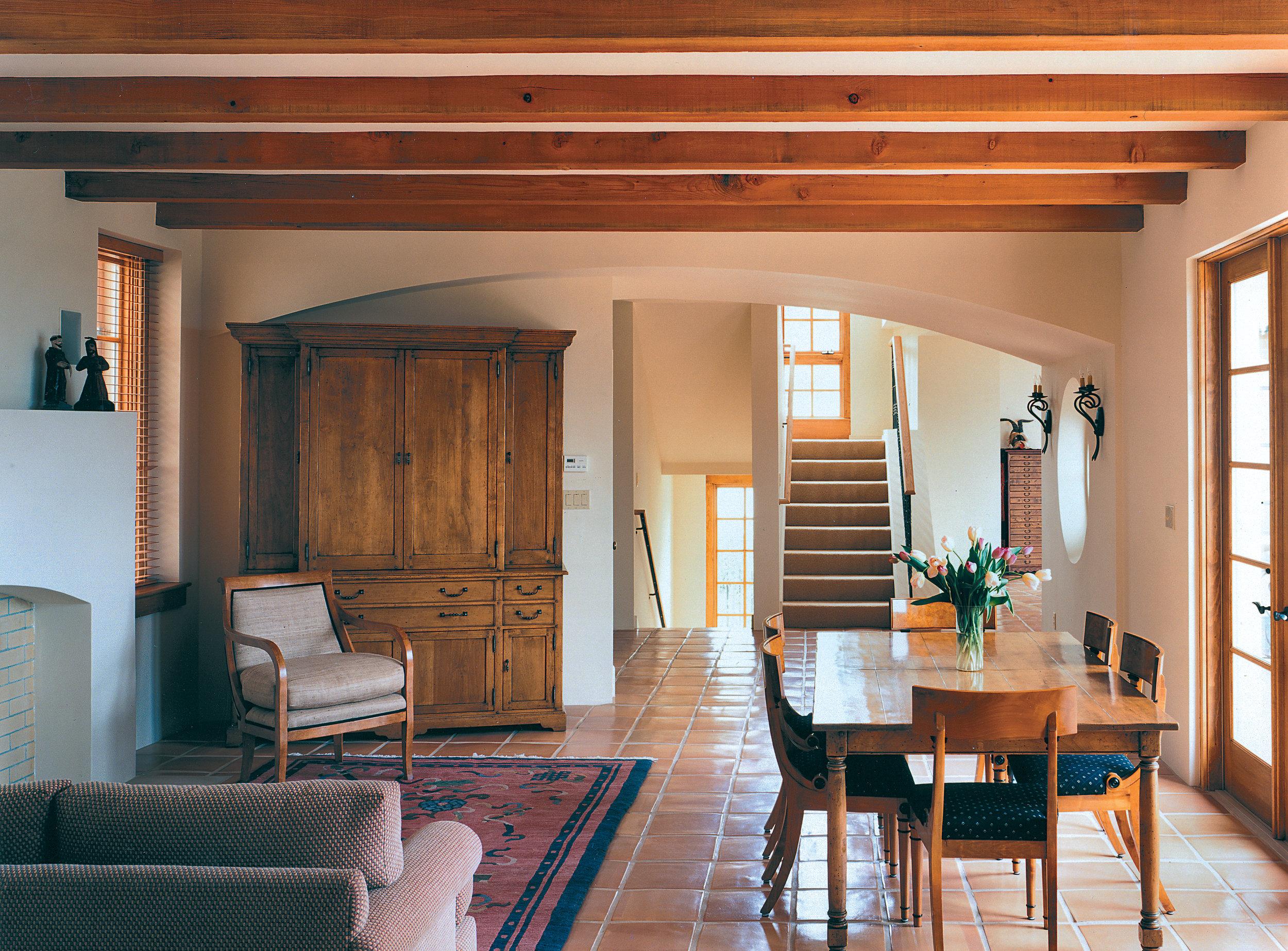 Interior.jpg