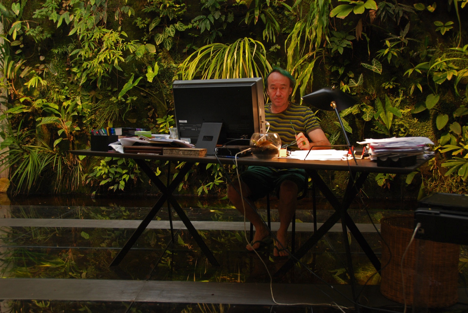 Patrick-Blanc-Interior-workspace-over-fresh-water-aquarium-surrounded-by-gardens-.jpeg