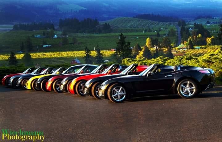 mt hood and cars.jpg
