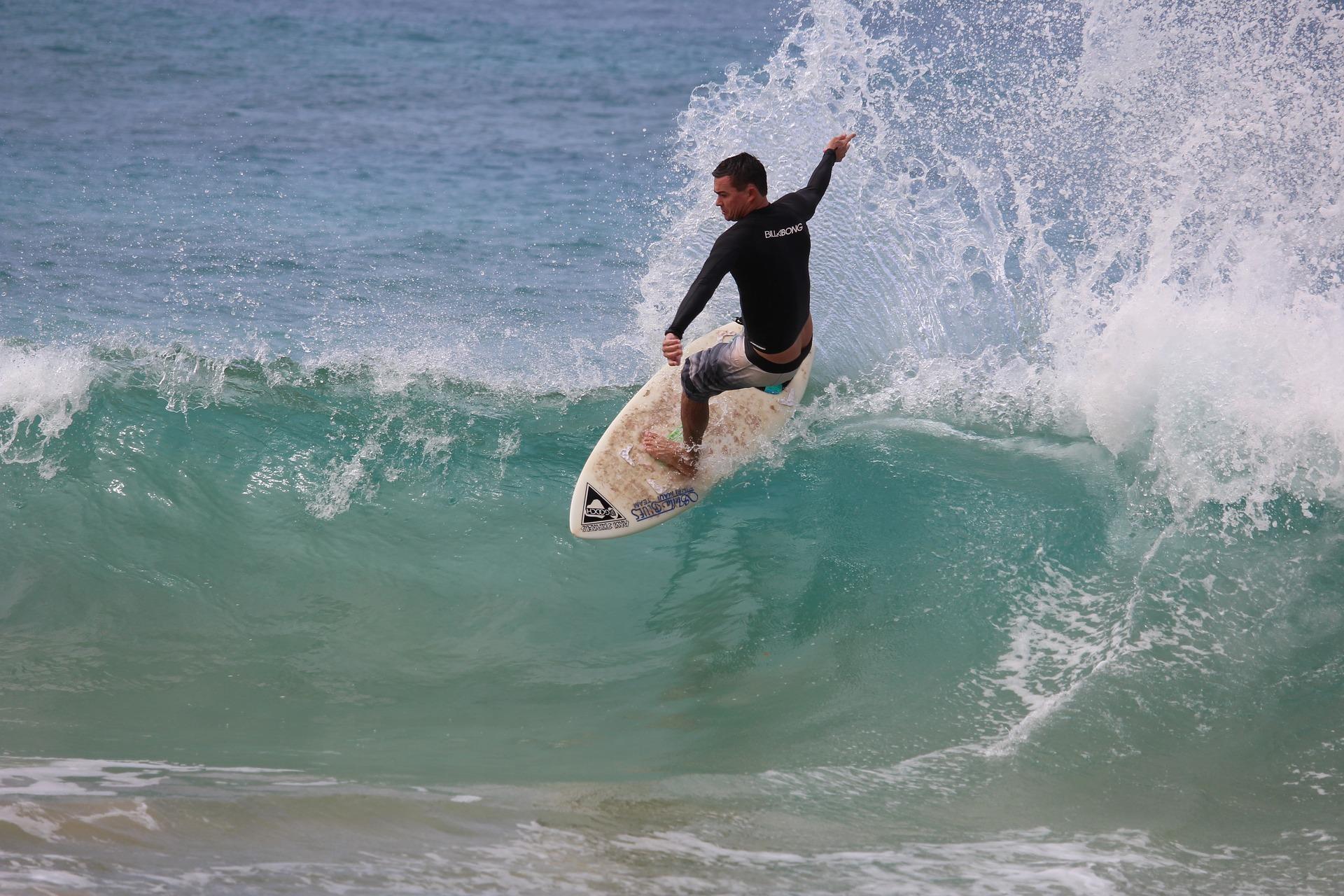 surfer-2335360_1920.jpg