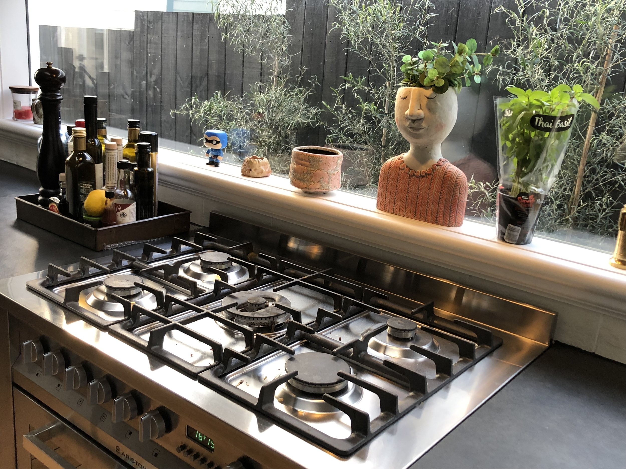 Gas Fitting Services - Gas Fire and Gas Cooker Gas Hobs installation Auckland