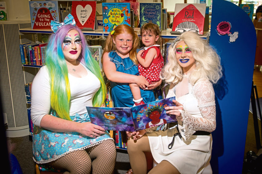 FAMILY: Drag Queen Story Time - With Kat A. Clysmic!Join us for a family friendly Drag Queen Story Time! Last year, the first ever Drag Queen Story Time event happened in Dundee and was a huge success. This year, the wonderful Kat A. Clysmic is back and ready to entertain the bairns!WHEN: Thursday 19th September at 16:30WHERE: Waterstones, 35 Commercial St, Dundee DD1 3DGFREE (No need to book, just turn up)