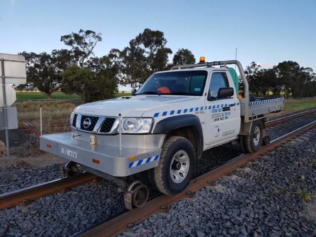 SS4X4-Hirail-Nissan-Patrol-Single-Cab-Tray-4.jpg