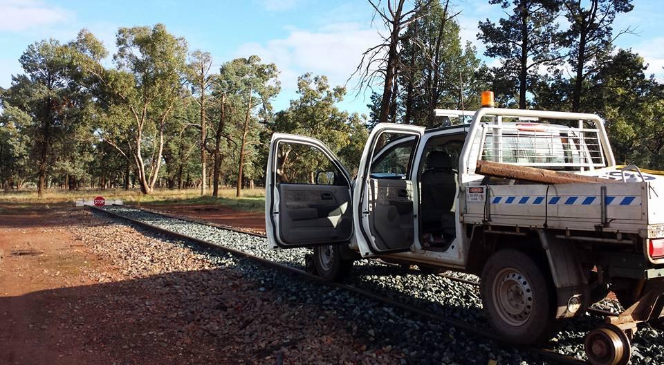 AO81HQ-Hirail-Holden-Rodeo-Dual-Cab-4.jpg