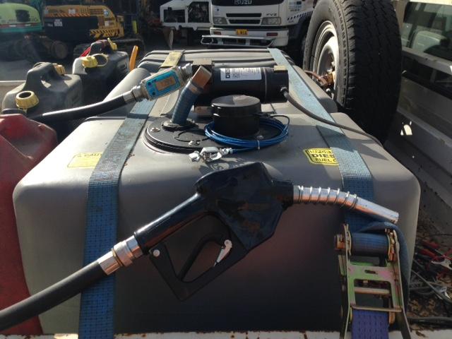 99TIM-Hirail-Toyota-Hilux-Refuelling-Vehicle-Tray-2.jpg
