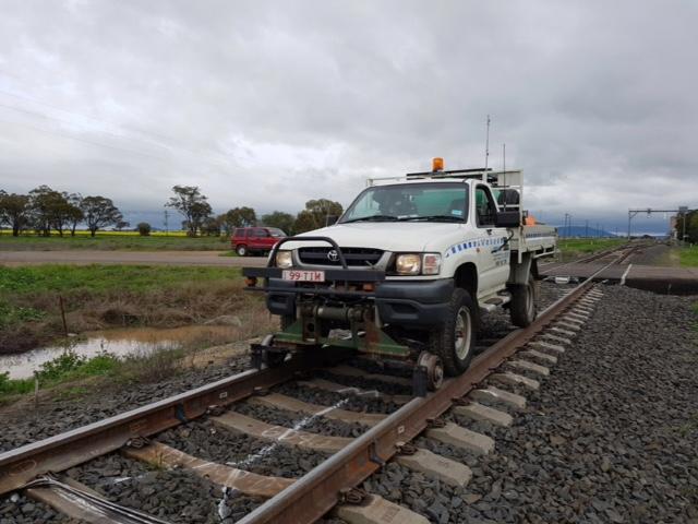 99TIM-Hirail-Toyota-Hilux-Refuelling-Vehicle-Tray-6.jpg