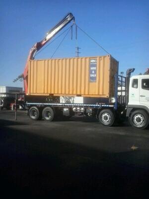 2LIFT-8-Wheeler-Rear-Mount-Crane-Truck-2.jpg