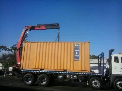 2LIFT-8-Wheeler-Rear-Mount-Crane-Truck-3.jpg