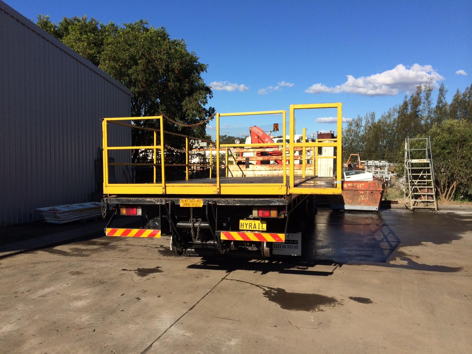 HYRAIL-FTS700-Isuzu-Hirail_Crane-Truck-4.jpg