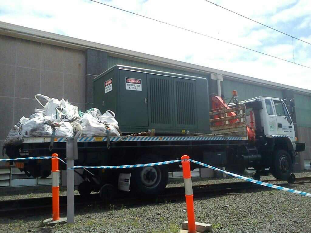 HYRAIL-FTS700-Isuzu-Hirail_Crane-Truck-6.jpg