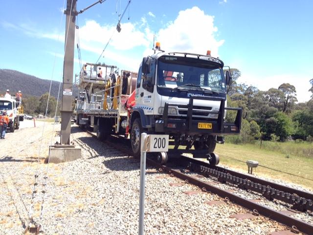 RAILON-Hirail-Crane-Truck-Isuzu-FVR13-6.jpg