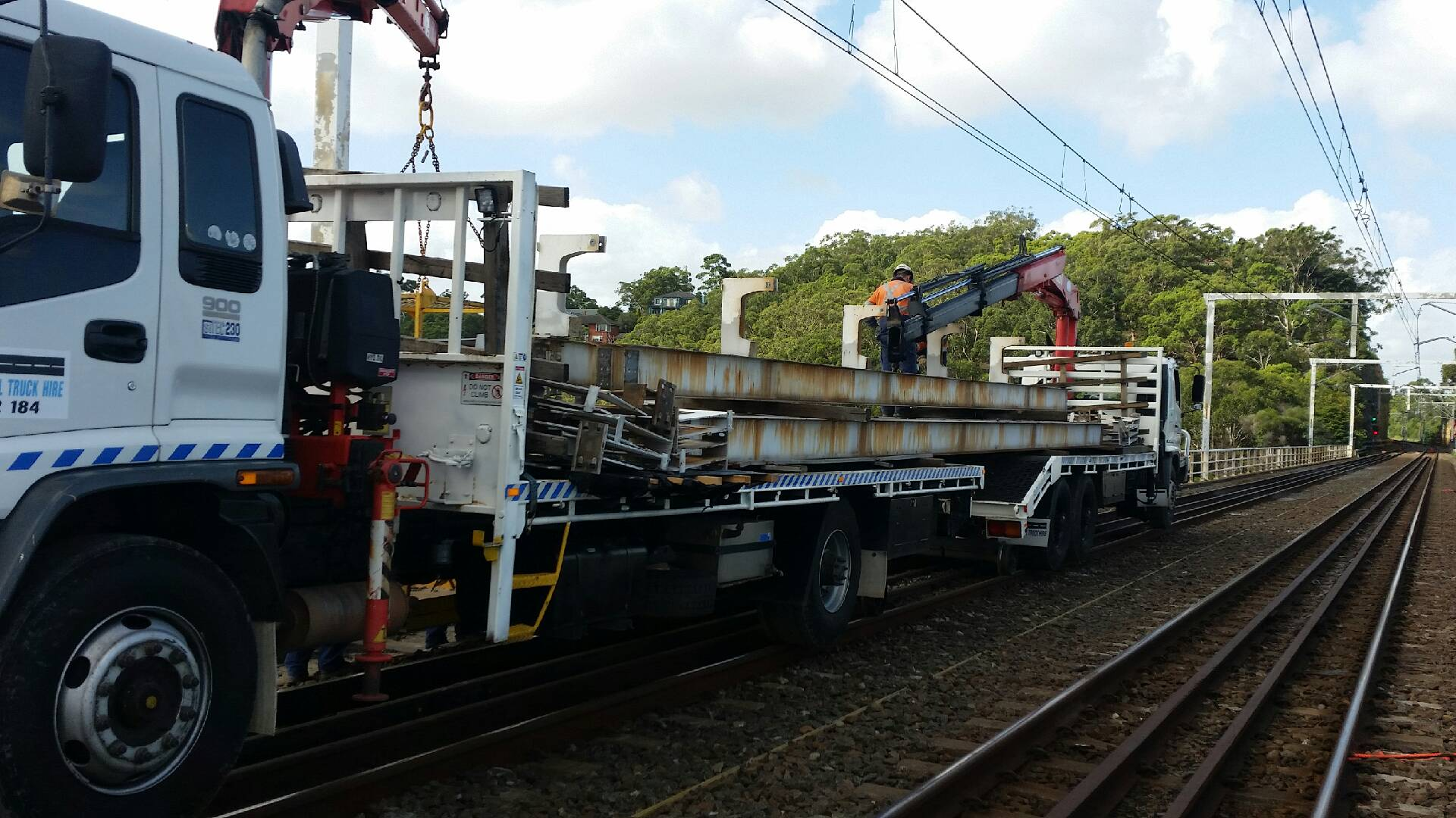 RAILON-Hirail-Crane-Truck-Isuzu-FVR13-5.jpg