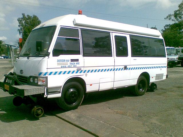 vacuv8-Hirail-Bus-14-seat-Kia-Combi-2.jpg