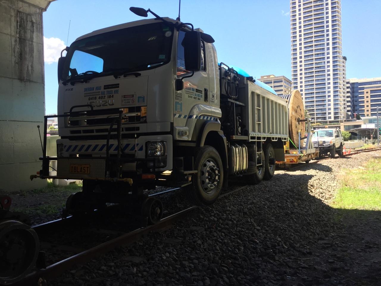 IBLAST-Isuzu-Hirail-Water-Blaster-10000L-Tipper-Tow-Truck-7.jpg
