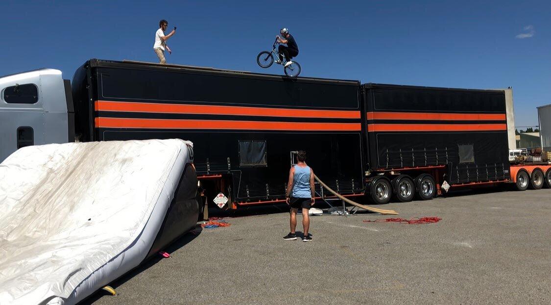 dd-airbags-bmx-jump-truck-04.jpg