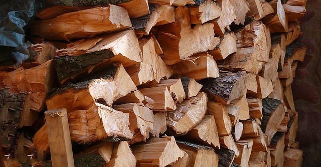- GREEN WASTE RECYCLING, FIREWOOD AND MULCH