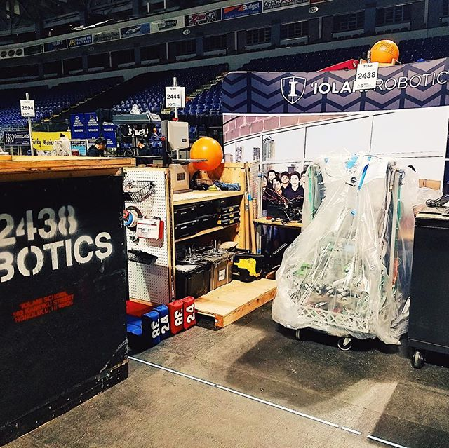 When the crate becomes part of the pit 💪🏼👊🏼🤙🏼 #iobotics #omgrobots
