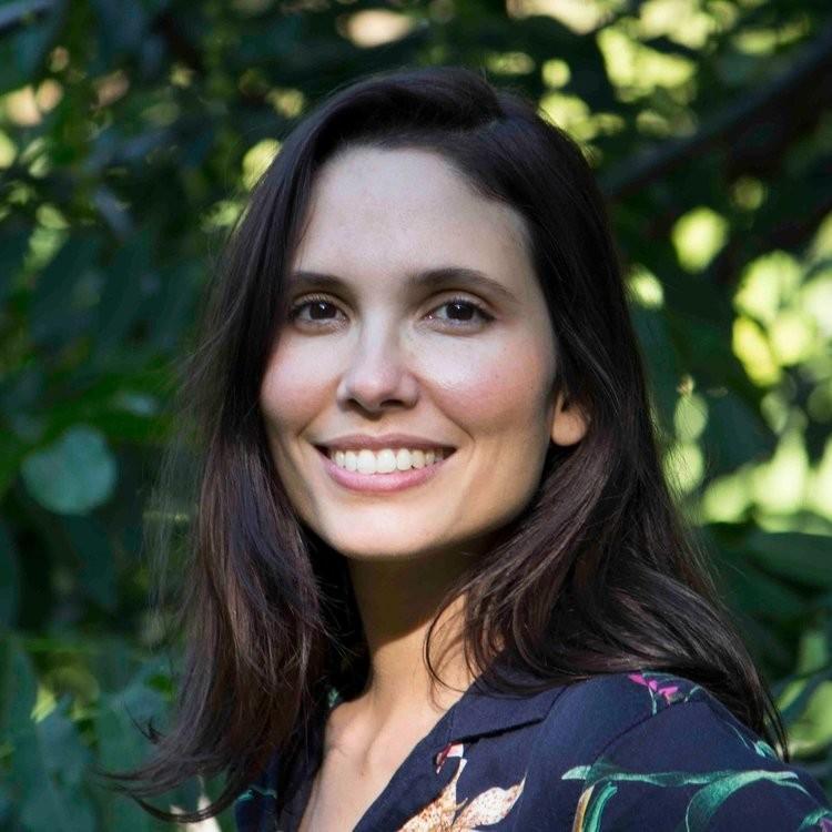 Veronica Marquez   Leadership Coach / Researcher   www.dinnerconfidential.org    @holaveromarquez