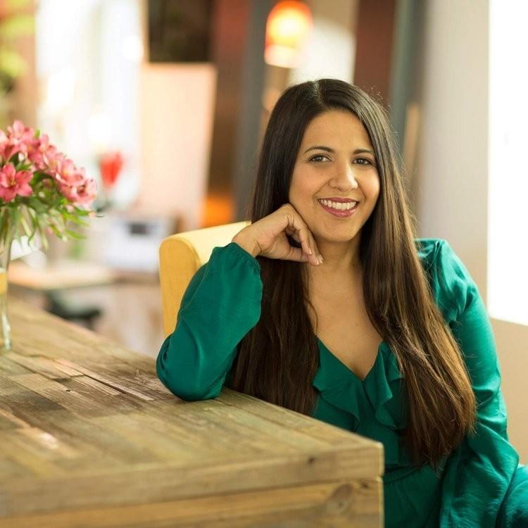 Marlene Menendez   Holistic Healer, Shaman, Energy Practitioner, Yoga Teacher   www.MarleneMenendez.com    @msmarlenemenendez