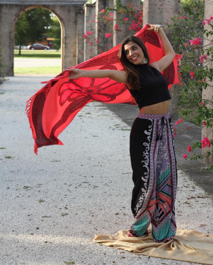Elizabet Abraham  Dance/Movement Therapist   @insideoutdancewellness    www.insideoutdancewellness.com