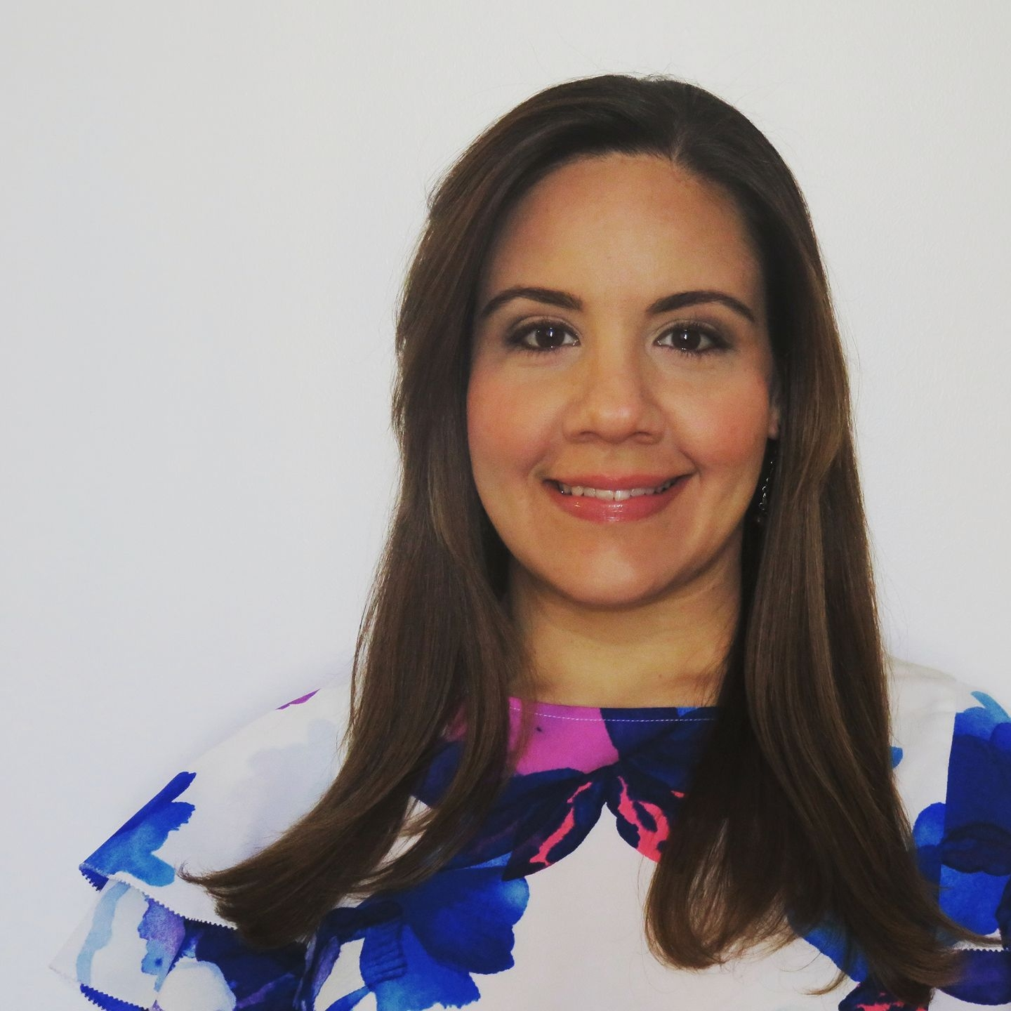 Claudia M. Selgas  TV Producer / Public Relations / Brand & Content Strategy / Corporate Social Responsibility   @cms_photo    https://www.linkedin.com/in/claudiamselgas/
