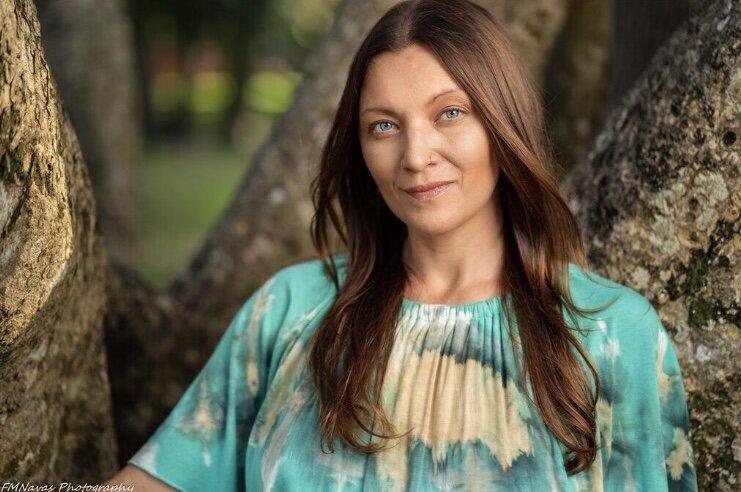 Krista Miller  Intuitive Healing/Yoga   Unahuhealingarts.com    @kristarm